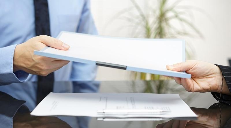 Předávání papíru